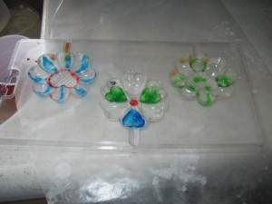 Molds with lots of decorating gel but no chocolate
